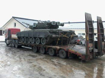 Перевозка танка автотранспортом для вооруженных сил России